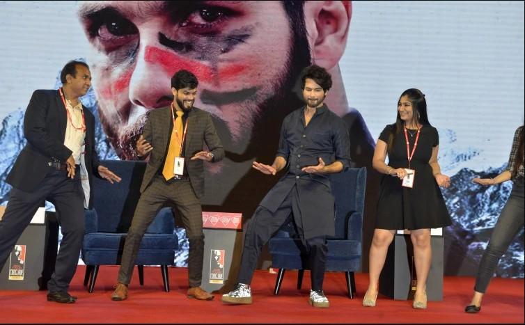Shahid Kapoor Tampil di India Today